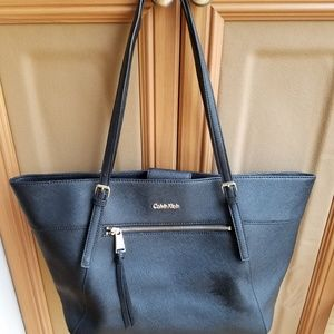 Calvin Klein Saffiano Leather Tote (Black)